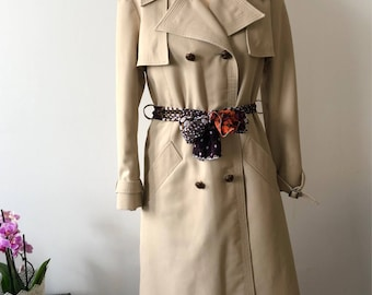 Woman trench / beige Trench / raincoat woman / vintage Jacket / Women's clothing / vintage clothing