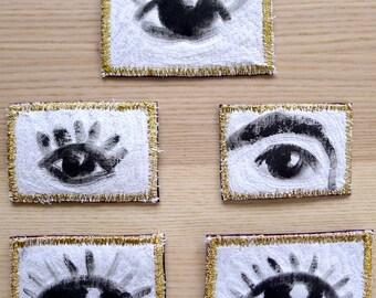 Broche porte-bonheur 'Bon Oeil'. Peinture à porter. Broche textile, tableau à porter, broche brodée, sérigraphie