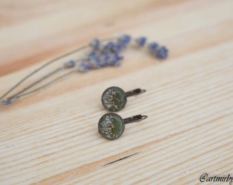 Qween anne's lace stud earrings Real pressed flower Pressed flower jewelry Flower resin earrings Stud earrings Floral earrings Silver plated