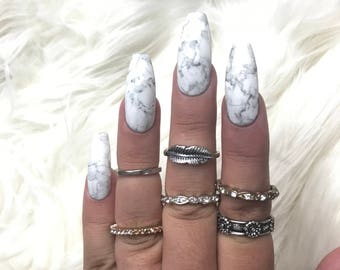 Classic Marble Press On Nails