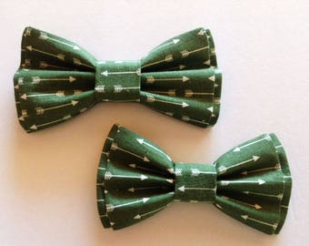 Bow Tie, Mens Bow Tie, Dad and Son Bow Ties, Green Bow Tie, Father Son Bow Ties, Groomsmen Bow Tie, Arrows Bow Tie,  Boys Bow Tie  DS740