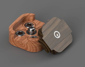 Quad · Wooden fidget spinner made from solid wood and steel. High-quality.