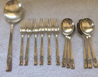 Vintage Sheffield set of 6 spoons, forks and large spoon