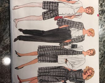 Vogue Pattern - 8617 - Size 8-10-12.