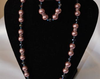Dusky Pink Beaded Necklace and Bracelet Set
