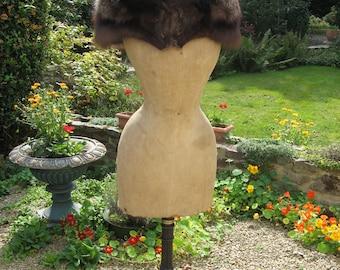 A Beautiful Vintage French Silver Fox Fur Shoulder Cape/Stole/Wrap/Scarf/Boa ~ Genuine Fox Fur  ~  1940's