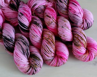 Hand Dyed Speckled Yarn Sock Twist Superwash Wool 80/20 - OVER THE EDGE