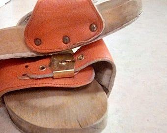 Vintage Dr Scholls Wooden Leather Orange Excercise Sandals 8 1/2 Shoes