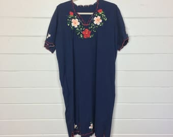 Vintage 1980s Navy Blue Embroidered Mexican Dress / Scalloped Hem / Caftan Dress / Bohemian