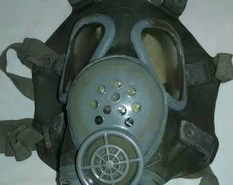 Vintage Gas Mask/Antique Military Issue Field Gear/Army/Steam Punk Accessories/Futuristic/Nuclear/Paratrooper/Original/Used/Supplies/SHTF