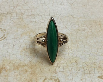 Sarah Coventry Sea Swept Adjustable Ring | Green | 1970s Vintage