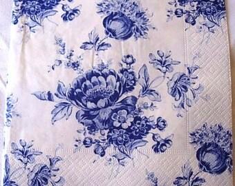 Blue roses paper towel