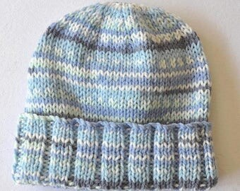 Baby hat in soft and cuddly Crofter yarn