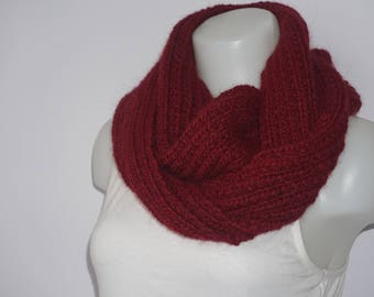 Chunky knit infinity scarf, chunky knit scarf in claret red, knitted circle scarf, knit eternity scarf, wool scarf