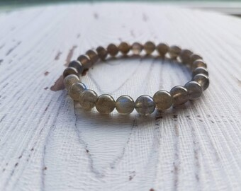 Labradorite bracelet, labradorite bracelet women, labradorite bracelet men, chakra bracelet, gemstone bracelet, beaded bracelet