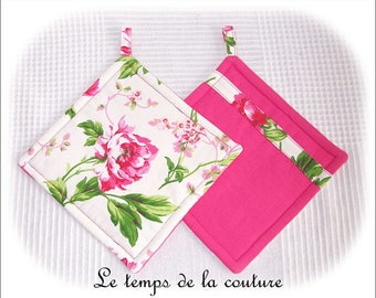 Kitchen - Set of two pot holders - with special fleece for Potholder - shades of pink, white and green - handmade