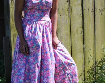 Vintage Laura Ashley chic bohemian flower from the 80's dress. Size S perfect for a wedding / gala