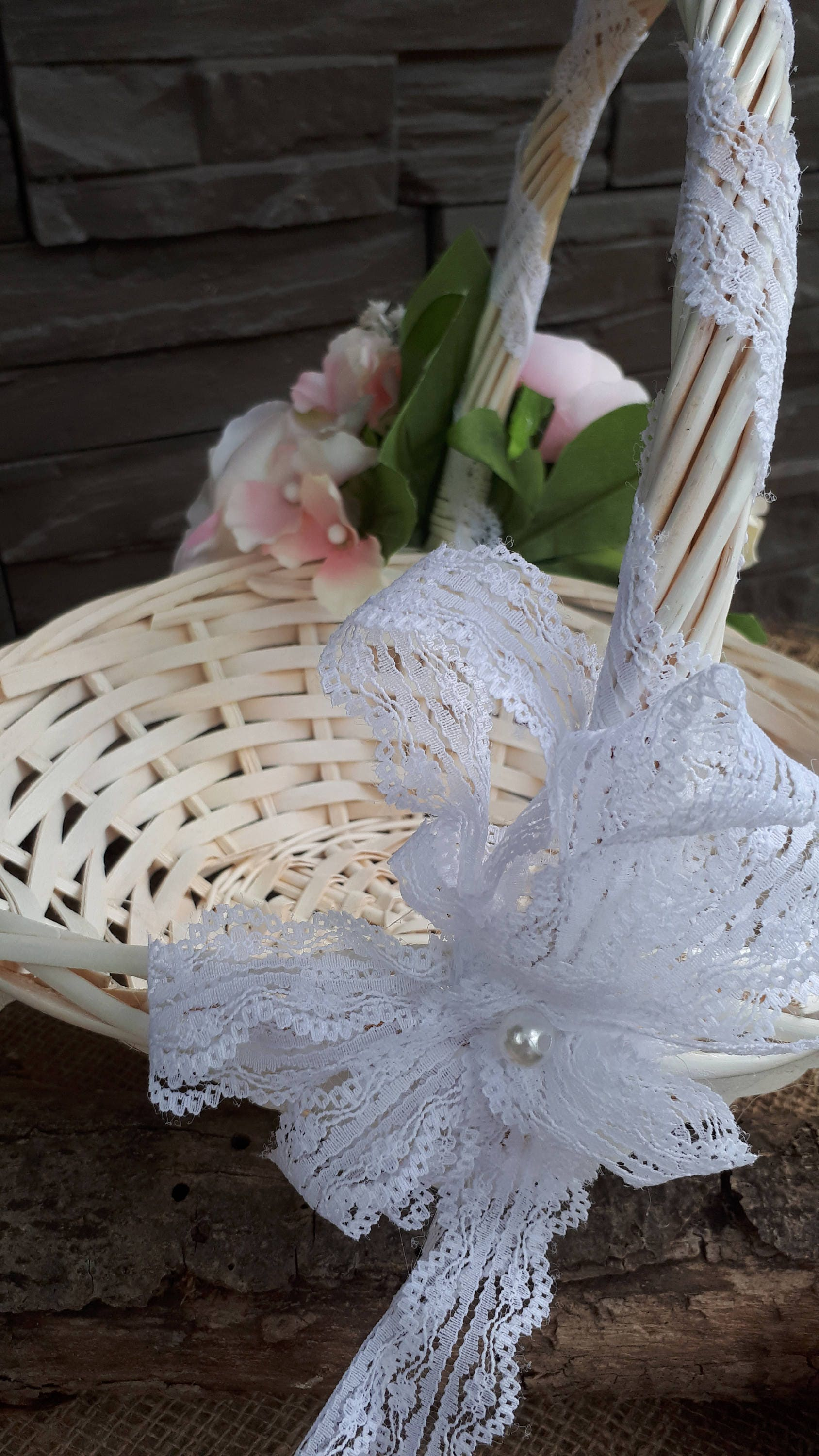 Rustic Wedding Bridesmaid Basket England Oval White Wicker Shabby Chic Victorian Confetti