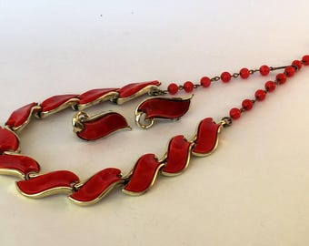 1950s Coro signed red and gold tone matching necklace and clip earrings demi parure
