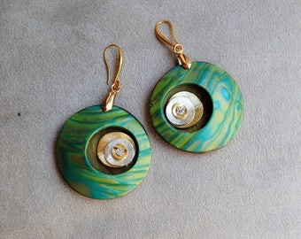 Earrings in polymer poasta, handmade, lime green, turquoise and gold, with metal inserts and Rhinestones, unique piece