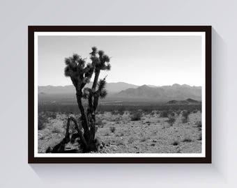 Desert Print-Desert Landscape-Joshua Tree Print-Digital Download-Desert Printable-Desert Poster-Southwestern Print-Boho Print-Minimalist Art