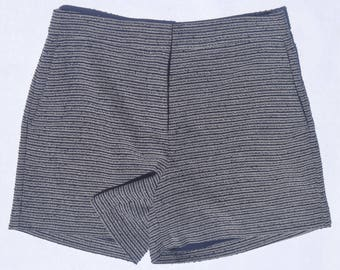 Blue & white-striped boucle shorts with pockets, lined, US women's 2