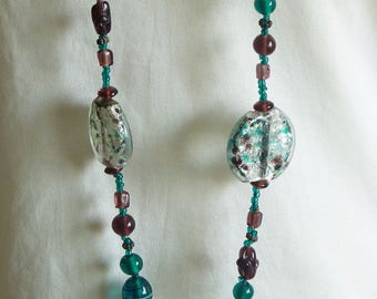 Green and Purple Glass Art Beads Necklaces/ Vintage Art Necklaces/ Vintage Jewellery