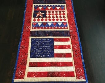 Welcome Friends patriotic table runner