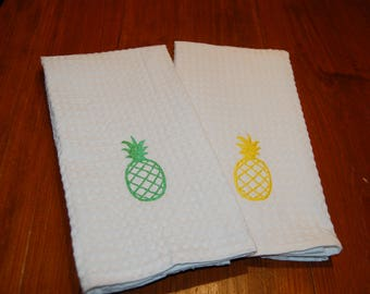 Embroidered Pineapple Dish Towel, Monogram, Wedding Gift, Hostess Gift, Personalized Gift, Hand Towel