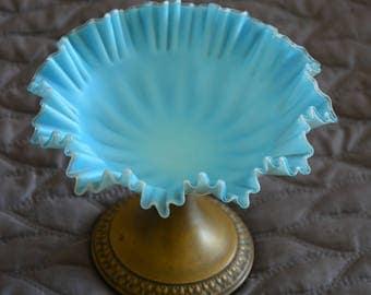 Year 1900 opaline dish