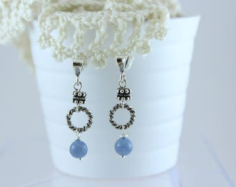 Silver dangling earrings with aquamarine