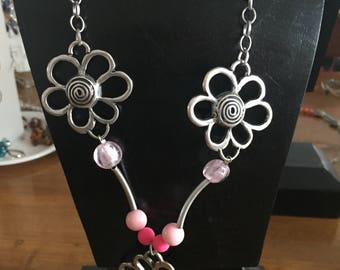 Necklace silver and pink flowers