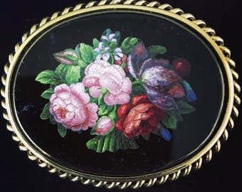 Antique mid-Victorian micromosaic and gold flower brooch from about 1870