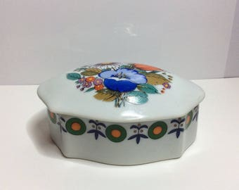Pretty ceramic trinket box floral pattern Schmidt Brazil