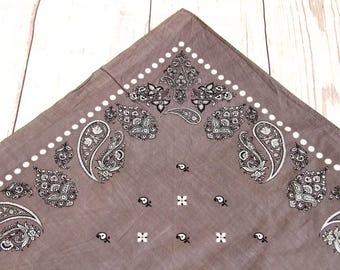 Grey paisley print square bandana