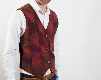 Vintage Mens small Vest with Reddish Tones / Casual Preppy Eccentric Sporty Summer Band Rockstar Button up Vest