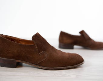 """Vintage Suede Shoes / 1970's Size 8 Mens Brown """"Wearra"""" Casual Summer Slip On Walking Shoes / Loafers / Biltrite Soles"""