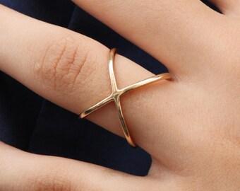 MAYA RING - Cross ring, gold plated