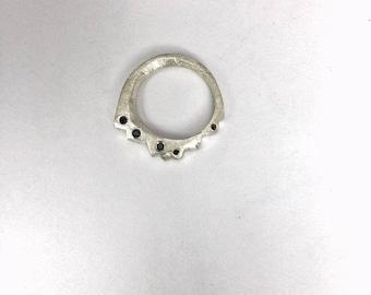 Black zirconia ring