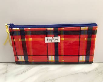 Long Oilcloth pouch / Zipper pouch / Pencil pouch / Oilcloth bag / Makeup brush pouch / Red plaid