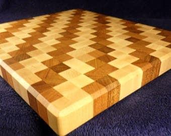 End grain wood cutting board