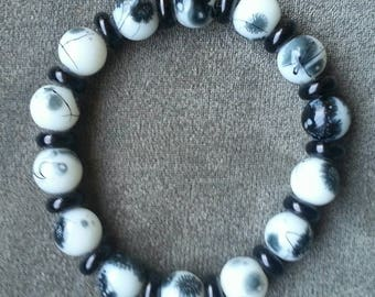 Black and white HANDCRAFTED STRETCH BRACELET