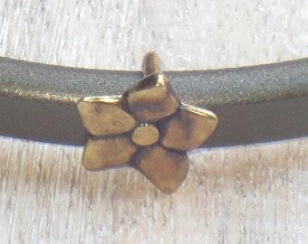 Regaliz Antique Brass Flower Spacer Bead, Spacer Bead, Slider Bead, Regaliz Spacer Bead 2 Pcs.