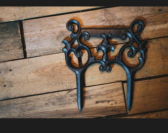 Cast Iron Boot Scraper with Beautful Ornate Argyle Decorative Design with Spikes