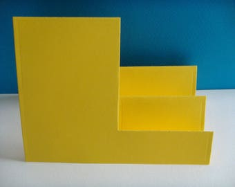 Cut out card or mark up accordion yellow 2 tiered inserrations