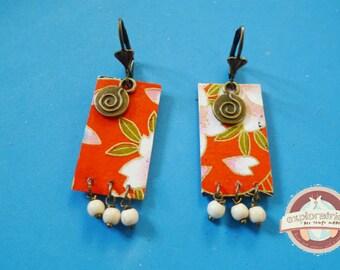 Roaming Japanese red flower off-white bronze rectangle earrings