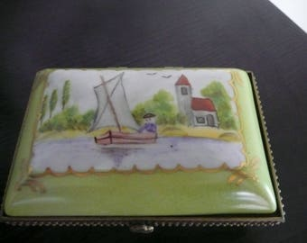 Rectangular box hand painted porcelain jewelry: landscape, clasp.