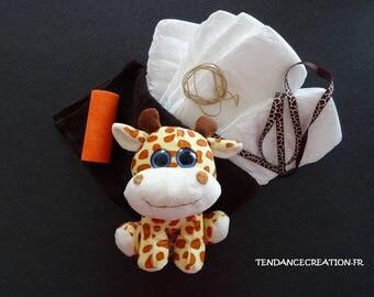 KIT - jungle Theme - big blue eyes and giraffe diaper cake