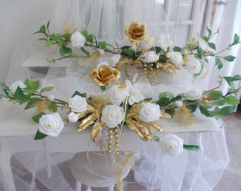 flowers gold and white wedding centerpiece
