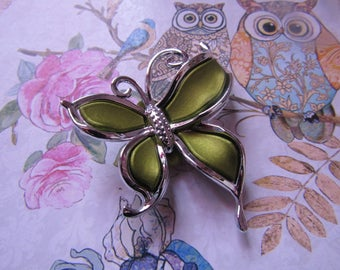 Butterfly 55mmx50mm khaki and silver beads